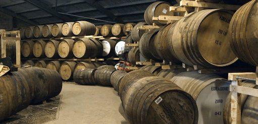 Distilleerderij whisky vaten